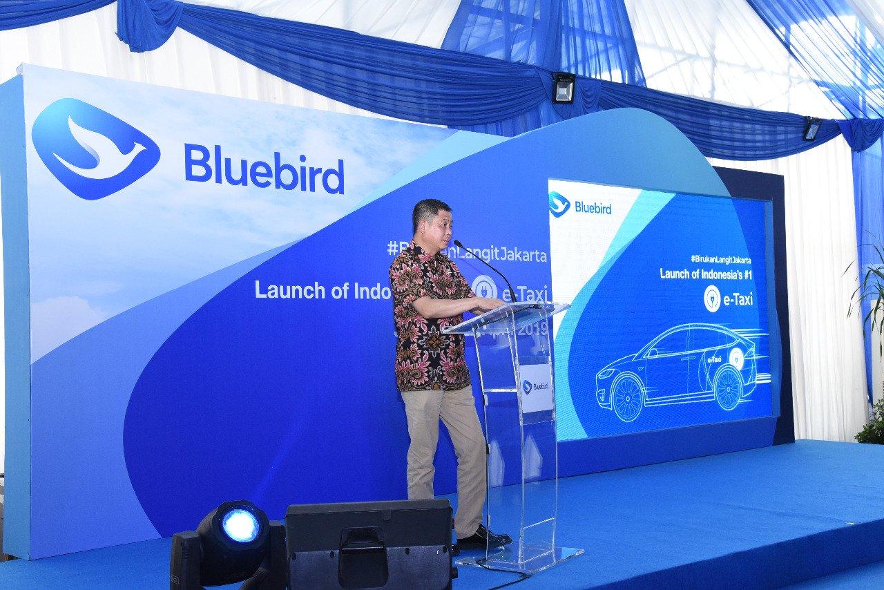 Blue Bird Luncurkan Taksi Listrik Pertama di Indonesia