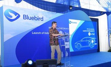 blue-bird-luncurkan-taksi-listrik-pertama-di-indonesia