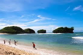 Turis Jepang Diduga Tewas Tenggelam di Pantai Watukurung Pacitan